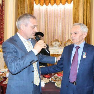 Президенту Фонда вручен Знак почета Республики Дагестан